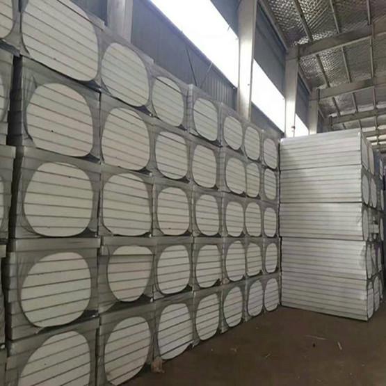 聚氨酯保温板是有着防潮和防水的功能